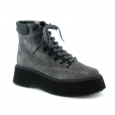 Grey colour women winter shoes